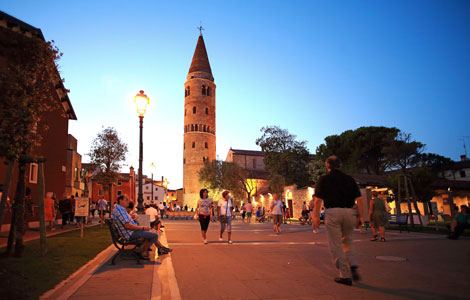Caorle_bynight